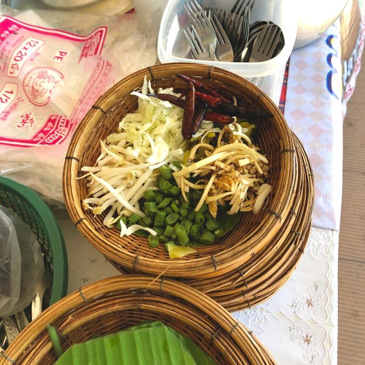 อยากกินขนมจีนอร่อยๆ ที่นครสวรรค์